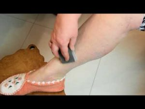 удаление волос пемзой