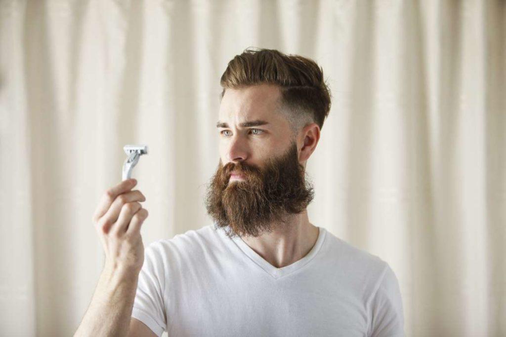 Бритье бороды