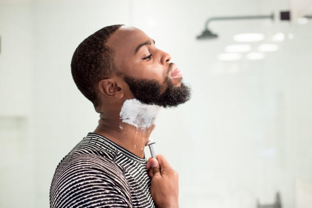 Борода с выбритой шеей